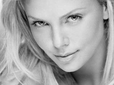 charlize_theron_wallpaper_3-t2